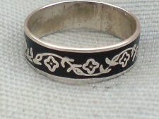 STERLING SILVER PRETTY BAND RING with a FLORAL PATTERN U.K size L  £7.50 NWT