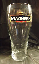 ORIGINAL MAGNERS IRISH CIDER PINT BEER GLASS WITH NUCLEAR BASE WIDGET