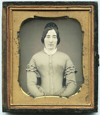 EARLY 1/6 PLATE DAGUERREOTYPE PHOTO PORTRAIT OF A YOUNG WOMAN WEARING HAIR COMB