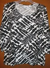 """Chicos Weekend 1 BlackWhite Graphic Top Undrarms22"""" Slv18"""" Lng24.5"""" Ret$79"""