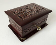 BRAND NEW SMALL HAND CRAFTED  WOODEN JEWELLERY/TRINKET BOX FREE SHIPPING!!!