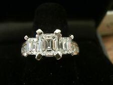 Breathtaking 3 STONE EMERALD CUT DIAMOND ENGAGEMENT RING WG !