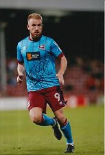 SCUNTHORPE UNITED HAND SIGNED PADDY MADDEN 12X8 PHOTO.