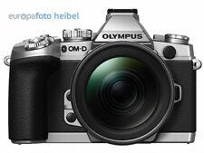 Olympus OM-D E-M1 EM1 silber+ M.Zuiko 12-40mm und HLD-7 Handgriff vom Fachhandel