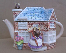 BEATRIX POTTER MUSICAL TEA POT - SCHMID THE TALE OF TWO BAD MICE