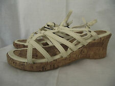 BNWT Older Girls Sz 3 Rivers Doghouse Brand Cute Cream Wedge Strappy Sandals
