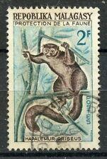 TIMBRE DE MADAGASCAR N°357 OBLITERE LEMUR