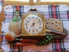 Vtg New Haven Burwood 460-1 Cheese Grapes Carrots Wine Kitchen Battery Clock