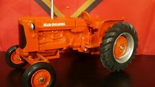 Allis Chalmers D17 1/16 diecast farm tractor replica collectible by Scale Models