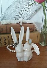 COUNTRY FRENCH CERAMIC JEWELRY RING HOLDER WHITE RABBITS KISSING BUNNIES BUNNY