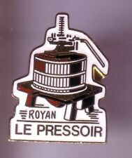 RARE PINS PIN'S .. ALCOOL VIN WINE /  PRESSOIR ROYAN 17  ¤8K