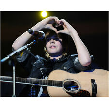 Justin Bieber Close Up Flashing Heart Sign Playing Guitar 8 x 10 Inch Photo