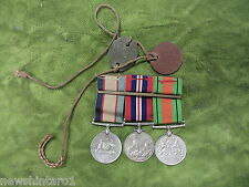 #D256.  AUSTRALIAN   WWII  MEDALS & LEATHER DOGTAGS   N31072  S.H. ROBERTS