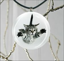 CAT GREY KITTEN JUMPING ROUND CABOCHON GLASS PENDANT -he84jt