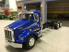 1/64 DCP BLUE KENWORTH T800 CAB & CHASSIS