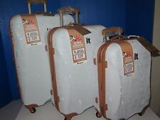 "IT Luggage YELLOWSTONE 3 Piece Spinner Set 30"" 26"" 22"" Expandable"