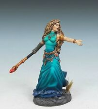 Female Mage with Staff DSM 7308 Visions in Fantasy Dark Sword Miniatures Pewter