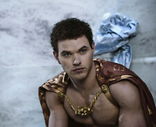 Kellan Lutz UNSIGNED photo - 9141 - Twilight, The Legend of Hercules & Immortals