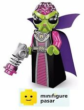 Lego 8833 Collectible Minifigure Series 8: No 16 - Alien Villainess - New