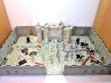 VINTAGE 1960'S MARX FIGHTING KNIGHTS CARRY-ALL PLAY SET WITH CASTLE & HORSES