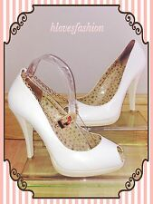 ✨RED OR DEAD White100% Leather Cream Heel Peeptoe Shoes Gold Chain✨