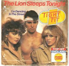 TIGHT FIT - The lion sleeps tonight