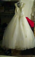 Ballgown wedding dress with 7ft detachable train & crinoline