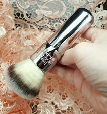 #213 IT Cosmetics ULTA Live Beauty Fully Buffing Bronzer Brush Powder Buffer 1 3
