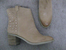 Nine West BOUTIQUE 9 Light Brown Tan Leather Western Boots Rose Gold Studs 10 M