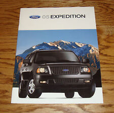 Original 2005 Ford Expedition Sales Brochure 05