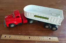 VINTAGE JAPAN TIN TOY TRUCK GRAIN HAULER FARMER TRAILER - EXCELLENT CONDITION!