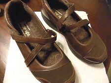 SKECHERS WOMEN'S 8.5 SHAPE UPS WALKING MARY JANE SHOE BROWN {C}