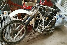 honda xr 250R wrecking all parts available  ( this action is for one bolt only)