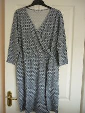 BODEN CRESSIDA DRESS ENGLISH CHINA DITSY GEO UK 22 LONG, EUR 48-50, US 18. WW107