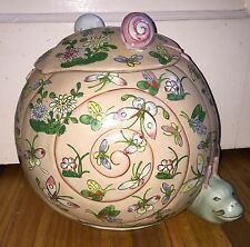 Famille Rose Porcelain Lidded Jar Tongzhi Butterfly Chinese Snail Figurine Vase