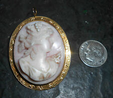 fine antique 18K yellow gold carved pink shell cameo pin pendant