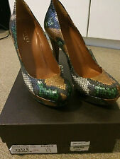Gucci Snakeskin Pumps Heels 36.5/6.5 Shop worn 4.5 inches high 309984 BNC00