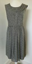 JAEGER - NEW - SIZE 16 - LADIES BLACK WHITE PLEAT DESIGN SILK DRESS