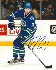 BEN HUTTON signed VANCOUVER CANUCKS 8X10 PHOTO COA B