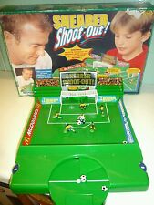 RARE 1997 Alan Shearer sparare fuori partita di football