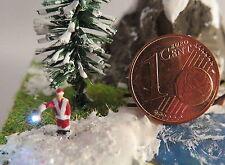(VW01) Weihnachtsmann beleuchtet Figur Spur Scale Z ( 1:220 )
