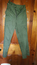MANS TRUE VINTAGE GREEN  ARMY TROUSERS 28 INCH WAIST 28 LEG