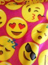"""Emoji Velvet Throw Fleece Blanket 50"""" X 60"""" New! Hot Pink"""