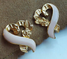 VINTAGE 1996 AVON BREAST CANCER AWARENESS PINK RIBBON GOLD-TONE CLIP ON EARRINGS