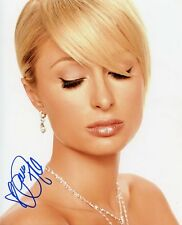 AUTOGRAPHE SUR PHOTO 20 x 25 de Paris HILTON (signed in person)