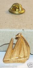 RARE PIN'S BATEAU VOILIER MARINE ROYALE METAL DORE OR FIN 15 MM X 18 MM