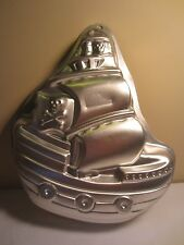 Wilton 2008 Pirate Ship Birthday Cake Aluminum Baking Pan 2105-1021