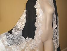 STUNNER $2K VALENTINO BLAK&WHITE 100% CASHMERE AND FRENCH LACE LRG SHAWL WRAP