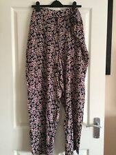 Ladies Patterned Summer Trousers Size 26/28