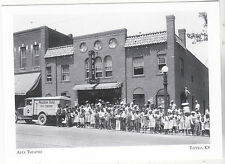 "*Postcard-""Apex Theatre""-(Children Treated To Movie)-1930's-*Topeka Kansas(#138)"